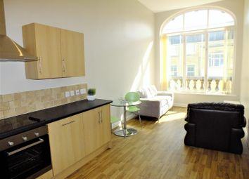 Thumbnail 1 bed flat to rent in Bank House, Queen Street, Leeds