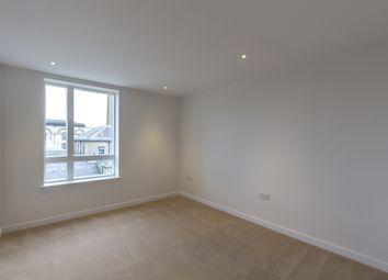 Thumbnail 2 bed flat to rent in Kew Bridge Road, Brentford, London