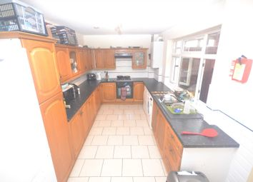 Thumbnail 6 bedroom terraced house to rent in Grange Avenue, Earley, Reading