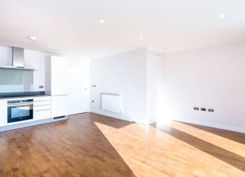 Thumbnail 2 bed flat for sale in Kings Avenue, Balham