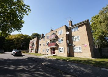 Thumbnail 2 bed flat to rent in St Stephens Crescent, Brentwood