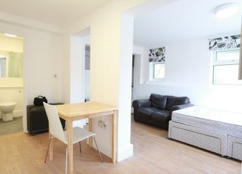 Thumbnail Studio to rent in Stuart Crescent, Wood Green