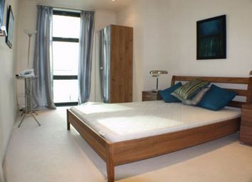 Thumbnail 2 bed flat to rent in Discovery Dock West Tower, South Quay Square, Canary Wharf, London
