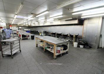 Thumbnail Warehouse to let in Thames Road, Barking