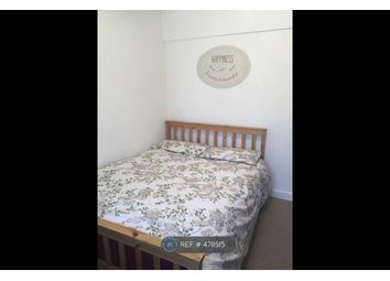 Thumbnail Room to rent in Wanborough Drive, London