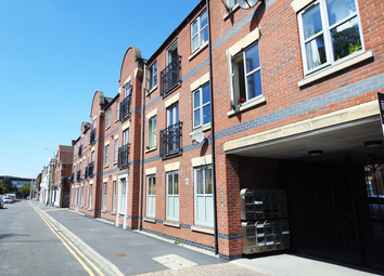 2 bed flat to rent in Baker Street, Hull HU2