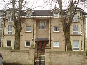 Thumbnail 2 bed flat to rent in Hector Road, Shawlands, Glasgow