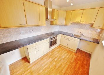 Thumbnail 2 bed flat to rent in Highgrove House, Regency Court, Brentwood