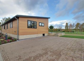 Thumbnail 3 bed mobile/park home for sale in Toft Road, Bourn, Cambridge