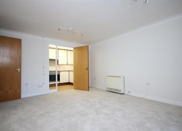 1 bed property to rent in Beechwood Grove, London W3