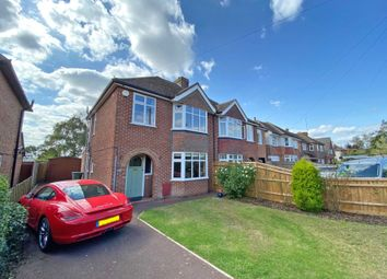 Wantage Road, Wallingford OX10. 3 bed semi-detached house