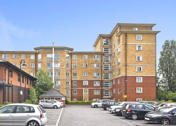 Thumbnail 2 bedroom flat for sale in Glebelands Close, Finchley, London
