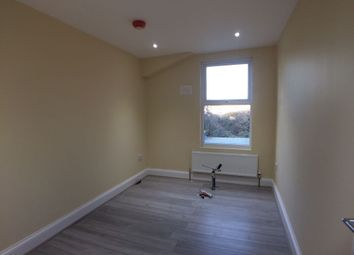 Thumbnail 2 bed flat to rent in Felx Road, Ealing
