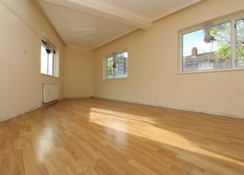 2 bed maisonette to rent in Waverley Road, London SE18