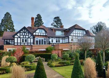 Thumbnail 2 bedroom flat for sale in Queen Elizabeth Crescent, Beaconsfield