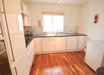 Thumbnail 3 bed flat to rent in Wilton Place, Southsea