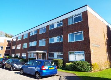 2 bed flat to rent in St. Andrews Gardens, Church Road, Worthing BN13