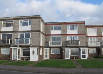Thumbnail 2 bedroom flat to rent in Marine Parade East, Lee-On-The-Solent