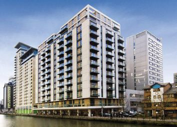 Thumbnail 2 bed flat to rent in Discovery Dock East, South Quay Square, Canary Wharf, London
