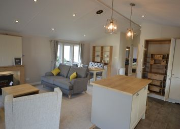 Thumbnail 2 bed mobile/park home for sale in Coghurst Hall Holiday Park, Hastings, East Sussex.