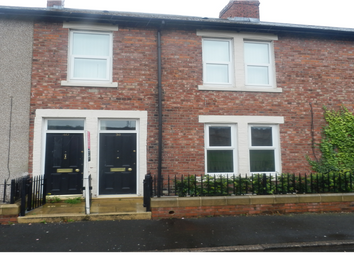 Thumbnail 3 bed flat to rent in Bensham Avenue, Gateshead, Tyne & Wear