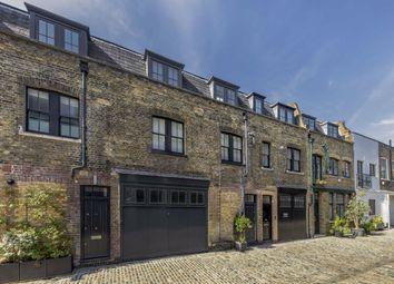 Brownlow Mews, London WC1N. 2 bed flat