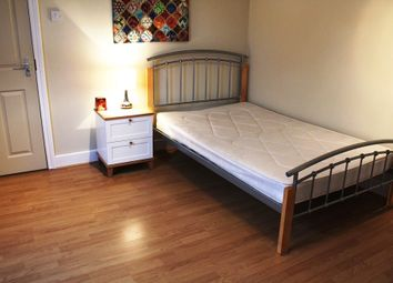 Thumbnail 1 bedroom terraced house to rent in Salisbury Road, Reading