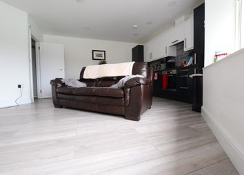 Thumbnail 1 bed flat to rent in St. Johns Road, Southborough, Tunbridge Wells