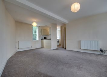 Thumbnail 3 bed flat to rent in Broad Street, Spalding