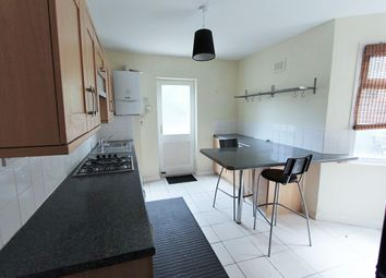 Thumbnail 1 bed flat to rent in Gladesmore Road, London