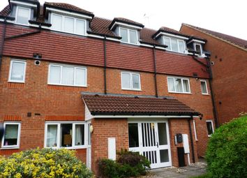 2 bed flat to rent in Iver Court, Lenborough Road, Buckingham MK18