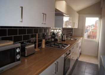 Thumbnail Room to rent in St Anne's Road, Belle Vue, Doncaster