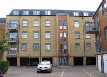 Abbey Road, Barking IG11. 2 bed flat