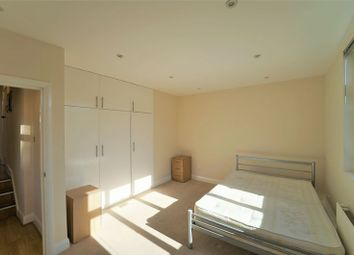 Thumbnail 2 bed flat to rent in Heathfield Park, London