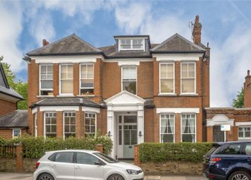 Sandycombe Road, Kew, Surrey TW9. 1 bed flat for sale