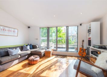 2 bed maisonette to rent in Goswell Road, London EC1V