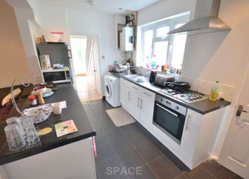 Thumbnail Room to rent in Montague Street, Caversham, Reading, Oxfordshire, - Room D