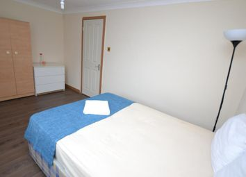 Room to rent in Crofts Street, Tower Hill, London E1