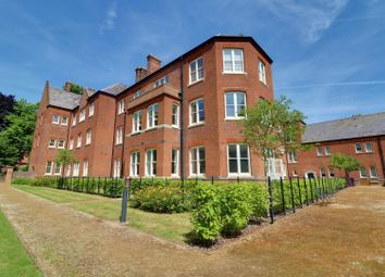 Thumbnail 3 bedroom flat for sale in Faringdon Court, Cholsey, Wallingford
