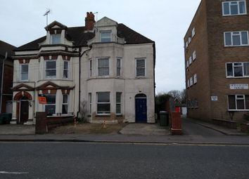 2 bed flat to rent in Radnor Park Road, Folkestone CT19