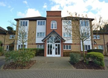 Thumbnail 1 bed flat to rent in Heathcote Road, Twickenham