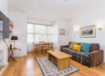 2 bed maisonette to rent in Graham Road, Chiswick, London W4