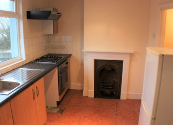Thumbnail 1 bed flat to rent in Somerset Road, Ashford