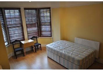 Thumbnail 1 bed flat to rent in Ravenscroft Road, Chiswick, London