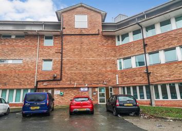 2 bed flat to rent in 2 Bedroom Property In Castleview House, East Lane, Runcorn WA7