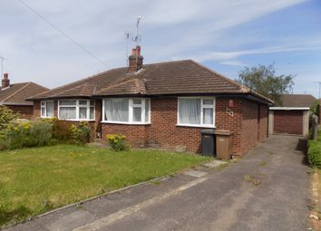 Thumbnail 3 bed bungalow to rent in Vincent Road, Luton, Bedfordshire