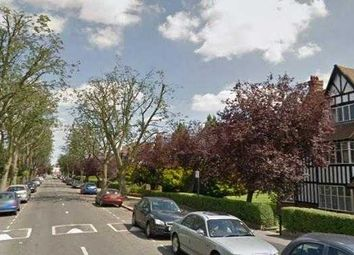 1 bed flat to rent in Queens Drive, Ealing, London W3