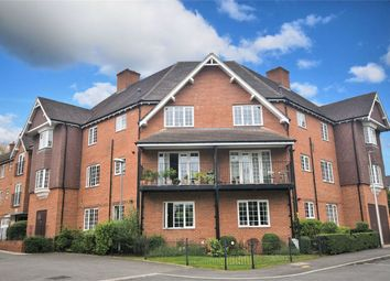 Wroughton Road, Wendover, Buckinghamshire HP22. 2 bed flat for sale