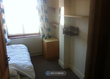 Thumbnail Room to rent in Redbridge Lane East, London