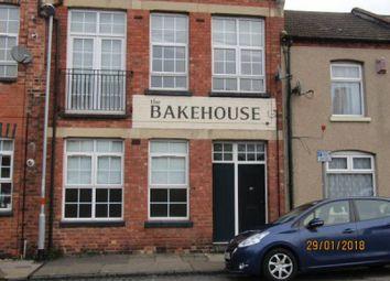 2 bed flat to rent in Robert Street, Northampton NN1